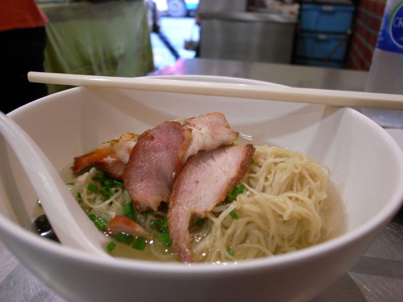 http://blog.maipenrai.info/photo_lib/p2011/chuka_ramen.jpg
