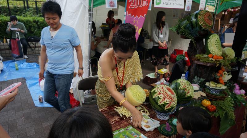 http://blog.maipenrai.info/photo_lib/p2014/thaifest2014-8.jpg